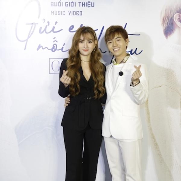 Mặc kệ scandal, Thu Thủy vẫn tươi trẻđến chúc mừng đàn em ra mắt MV đầu tay
