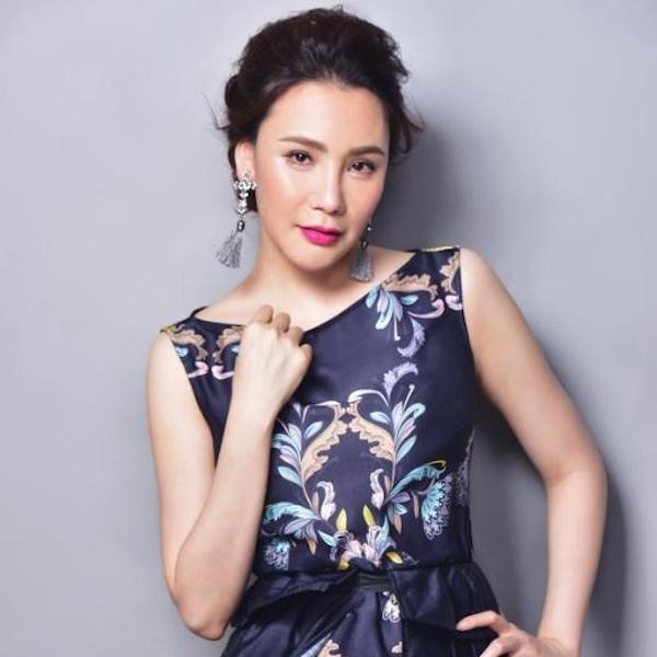 Hồ Quỳnh Hương tái xuất đẳng cấp với nhạc chủ đề phim Tháng năm dữ dội