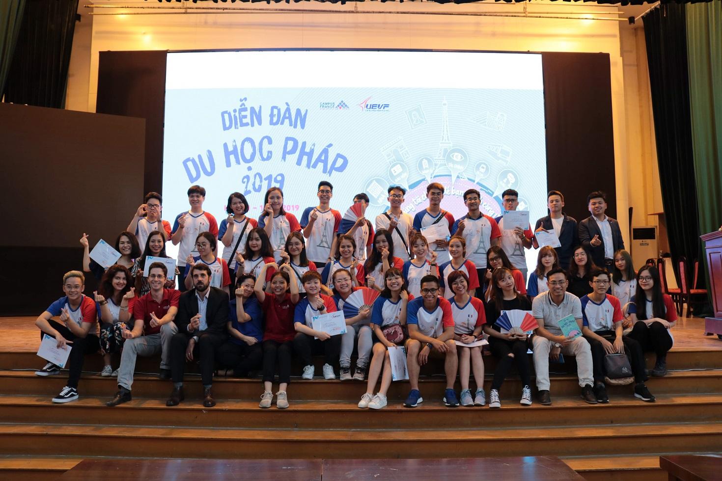 Dien-dan-du-hoc-Phap-04