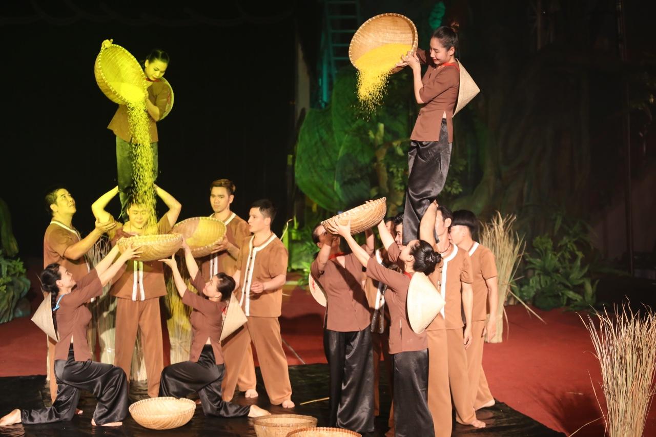 Mekong-show-02