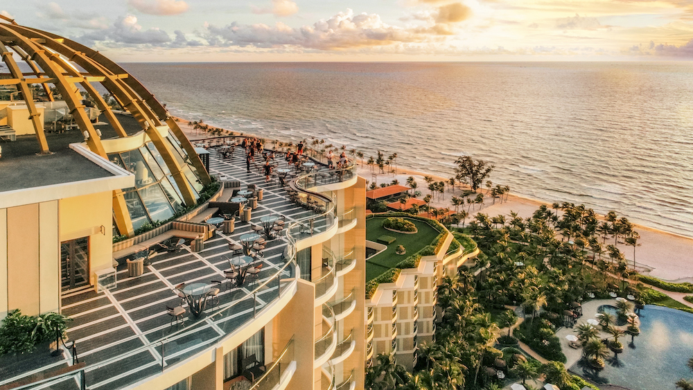 IHG-Hotels-Resorts_01.jpg